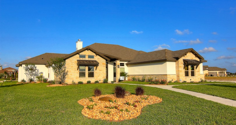 Living Large and Texas-Friendly with Live Oak Construction