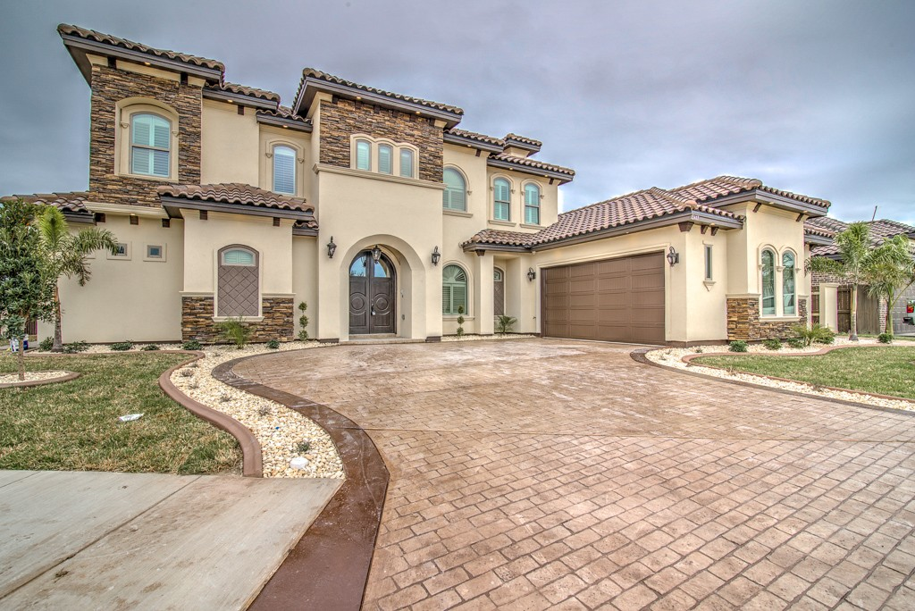 rgv, rgv new homes guide, coastal bend, corpus christi, real estate, realtor, distinguished women in construction, dwc, dwic, camelot designs and construction, claudia lara